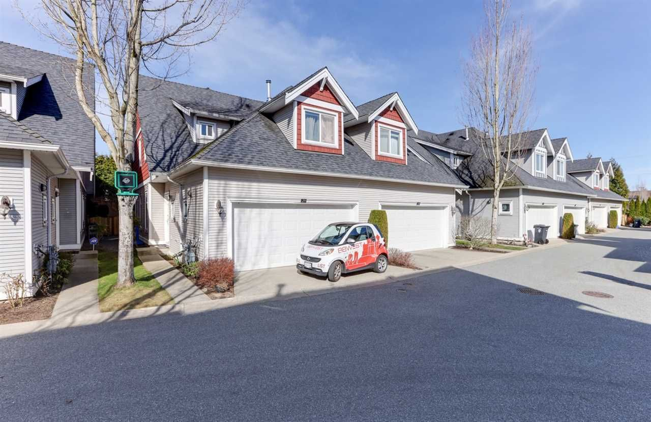 """Main Photo: 29 19977 71 Avenue in Langley: Willoughby Heights Townhouse for sale in """"Sandhill Village"""" : MLS®# R2549163"""