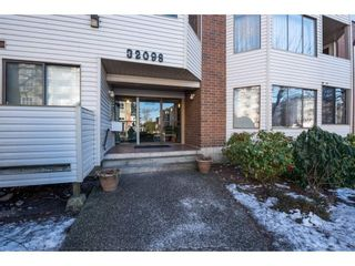 """Photo 2: 204 32098 GEORGE FERGUSON Way in Abbotsford: Abbotsford West Condo for sale in """"Heather Court"""" : MLS®# R2131436"""