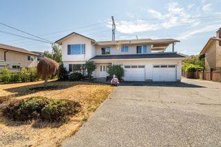 Photo 1: 2746 Lakehurst Dr in : La Goldstream House for sale (Langford)  : MLS®# 883166