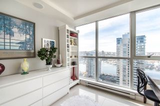 """Photo 11: 2202 1408 STRATHMORE Mews in Vancouver: Yaletown Condo for sale in """"WEST ONE"""" (Vancouver West)  : MLS®# R2432434"""