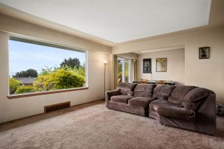 """Photo 12: 14418 BLACKBURN Crescent: White Rock House for sale in """"West Side White Rock"""" (South Surrey White Rock)  : MLS®# R2576581"""