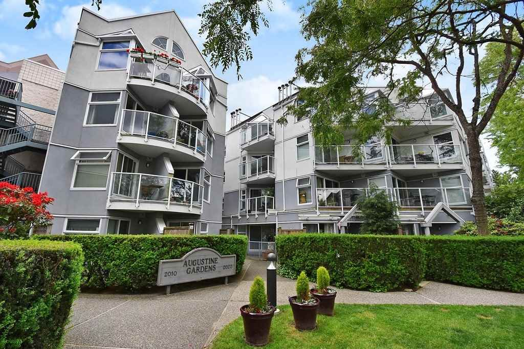 "Main Photo: 408 2020 W 8TH Avenue in Vancouver: Kitsilano Condo for sale in ""AUGUSTINE GARDENS"" (Vancouver West)  : MLS®# R2378621"