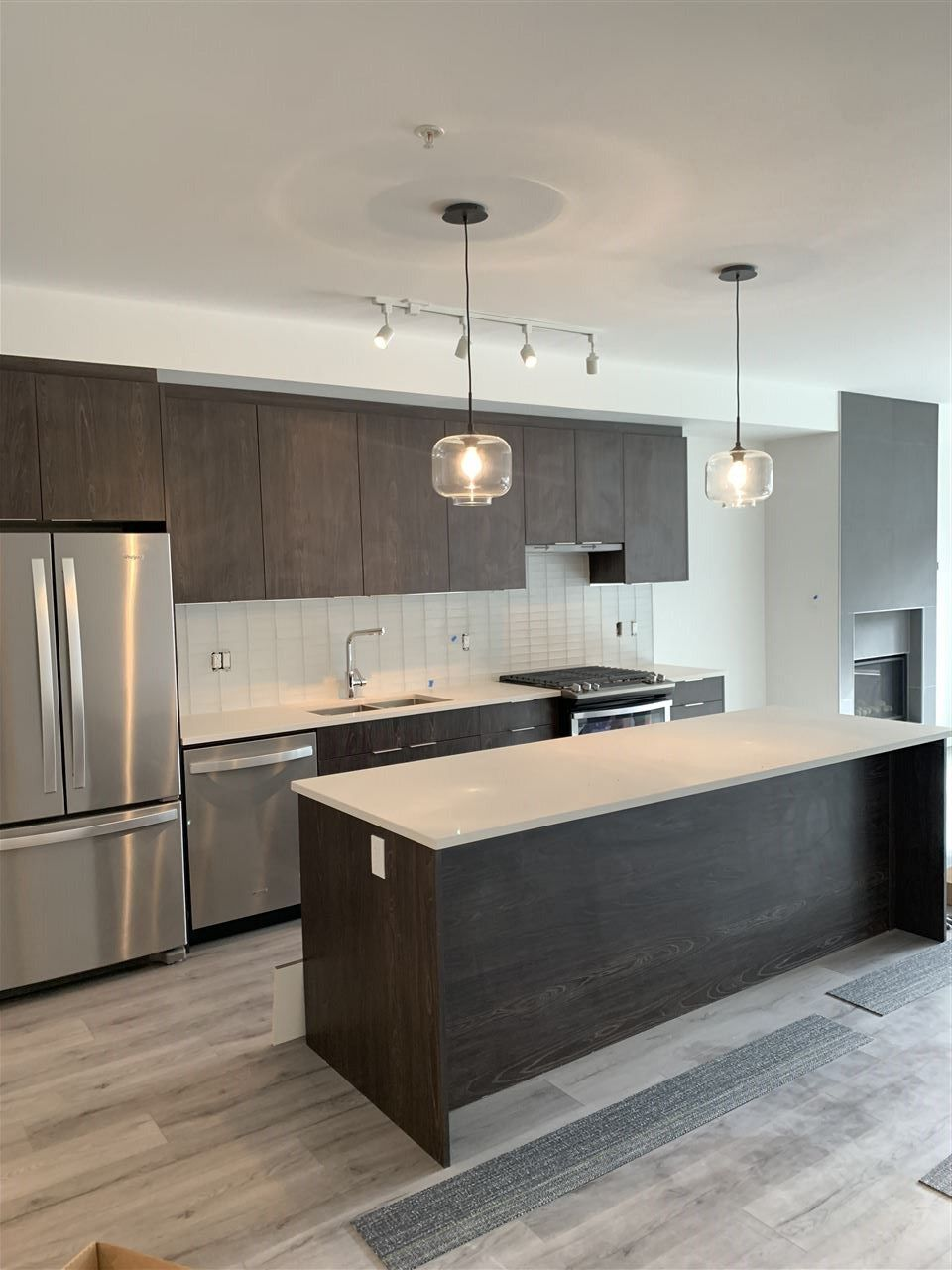 """Main Photo: 210 38167 CLEVELAND Avenue in Squamish: Downtown SQ Condo for sale in """"CLEVELAND GARDENS"""" : MLS®# R2552551"""