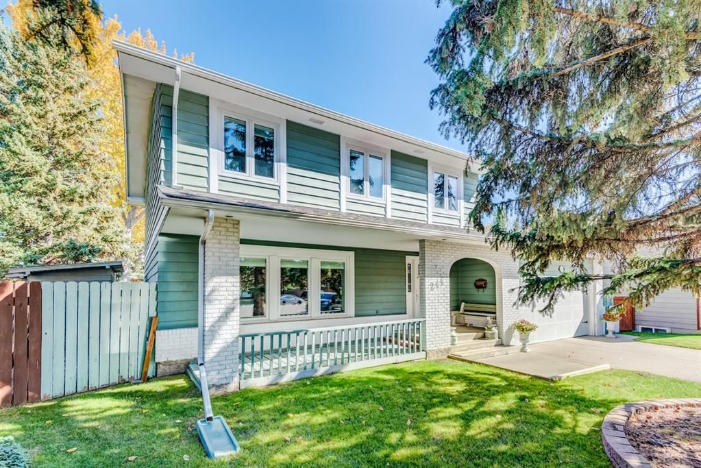 Main Photo: 244 Lake Moraine Place SE in Calgary: Lake Bonavista Detached for sale : MLS®# A1047703
