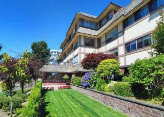 """Photo 1: 202 1368 FOSTER Street: White Rock Condo for sale in """"Kingfisher"""" (South Surrey White Rock)  : MLS®# R2042311"""