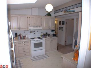 """Photo 4: 41 24330 FRASER Highway in Langley: Otter District Manufactured Home for sale in """"LANGLEY GROVE ESTATES"""" : MLS®# F1107918"""