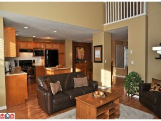 """Photo 4: 34 17097 64TH Avenue in Surrey: Cloverdale BC Townhouse for sale in """"Kentucky"""" (Cloverdale)  : MLS®# F1100822"""