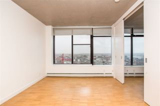 """Photo 4: 2002 108 W CORDOVA Street in Vancouver: Downtown VW Condo for sale in """"Woodwards"""" (Vancouver West)  : MLS®# R2525607"""