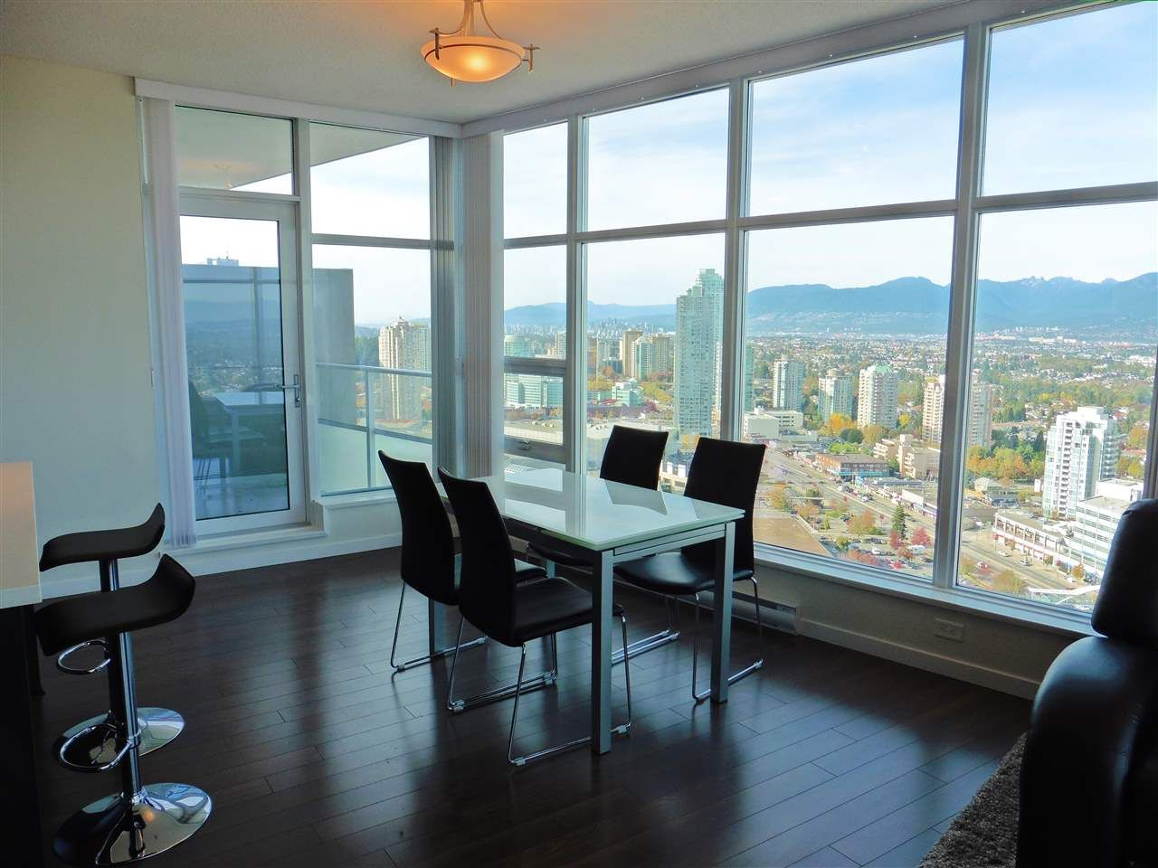 """Photo 3: Photos: 3702 4880 BENNETT Street in Burnaby: Metrotown Condo for sale in """"CHANCELLOR"""" (Burnaby South)  : MLS®# R2006395"""