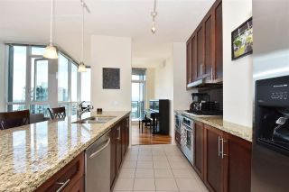 """Photo 4: 3704 1189 MELVILLE Street in Vancouver: Coal Harbour Condo for sale in """"THE MELVILLE"""" (Vancouver West)  : MLS®# R2589411"""