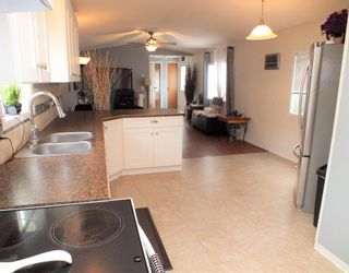 """Photo 13: 3 62010 FLOOD HOPE Road in Hope: Hope Silver Creek Manufactured Home for sale in """"WINDMILL MHP"""" : MLS®# R2600579"""