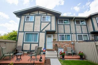 Photo 1: 6N 203 LYNNVIEW Road SE in Calgary: Ogden Row/Townhouse for sale : MLS®# A1017459