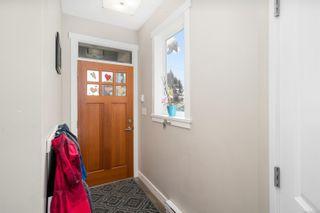 Photo 3: 2074 N Kennedy St in Sooke: Sk Sooke Vill Core House for sale : MLS®# 873679