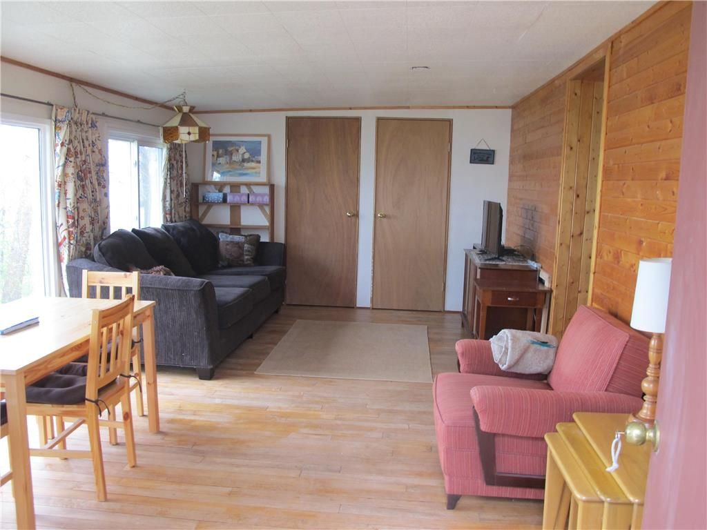 Photo 16: Photos:  in St Laurent: Laurentia Beach Residential for sale (R19)  : MLS®# 202112663