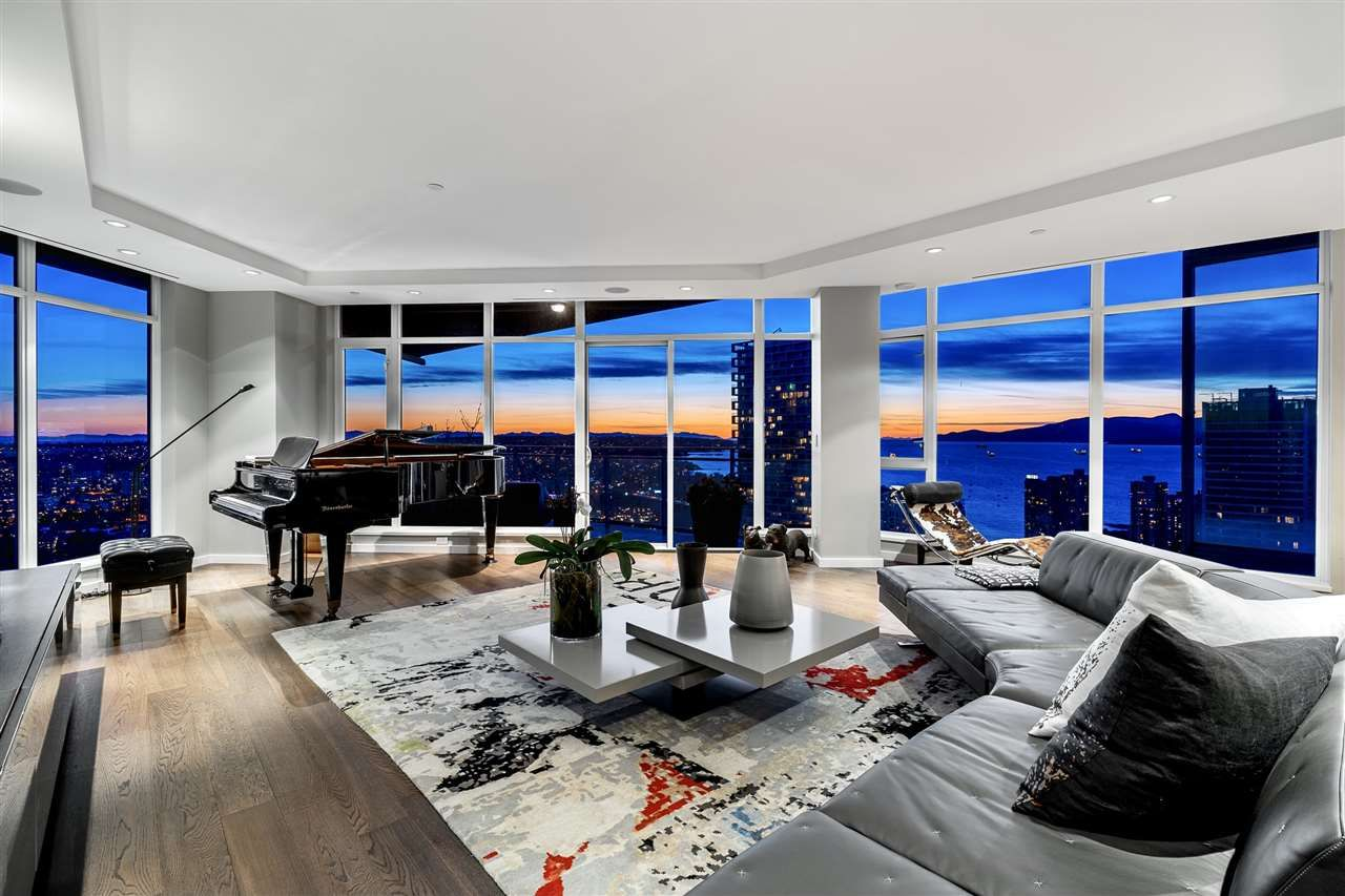 """Photo 3: Photos: 4601 1372 SEYMOUR Street in Vancouver: Downtown VW Condo for sale in """"The Mark"""" (Vancouver West)  : MLS®# R2553966"""