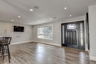 Photo 5: 324 WASCANA Crescent SE in Calgary: Willow Park Detached for sale : MLS®# C4296360