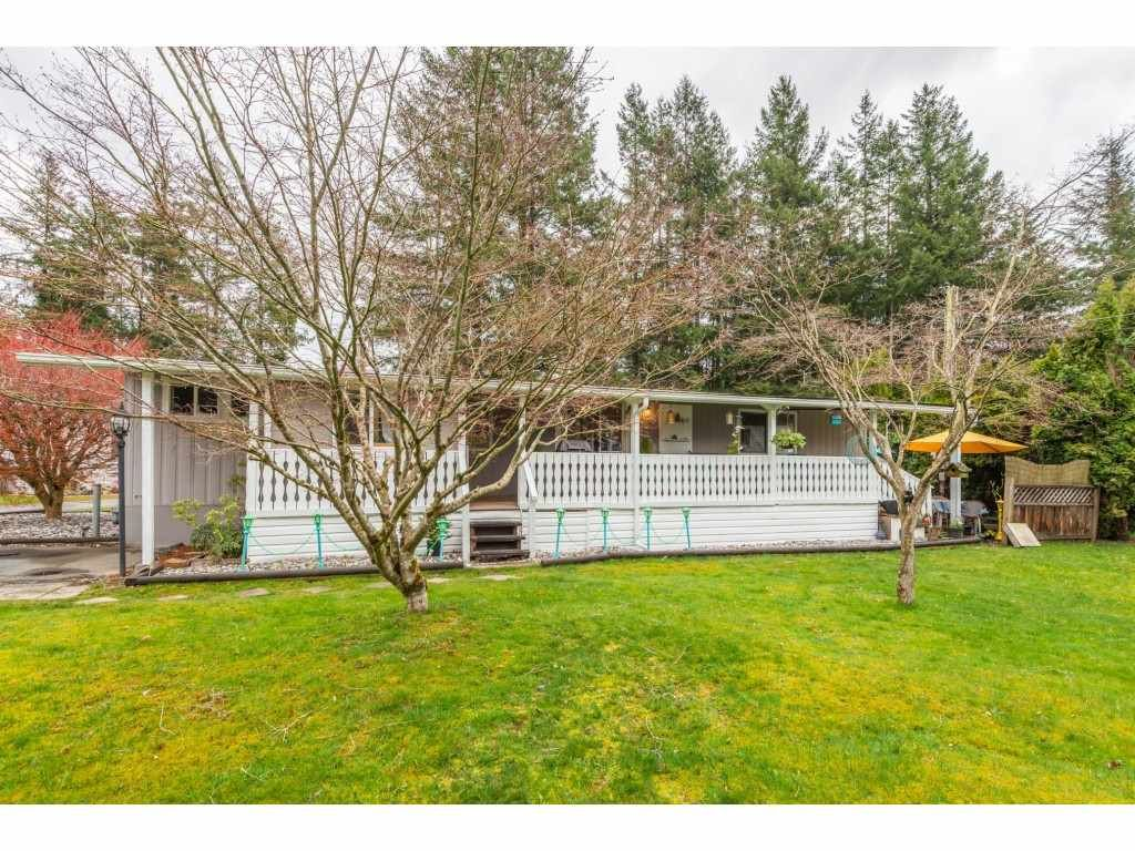 """Main Photo: 14 20071 24 Avenue in Langley: Brookswood Langley Manufactured Home for sale in """"Fernridge Park"""" : MLS®# R2562399"""