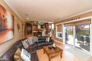 Photo 5: 633 Expeditor Pl in : CV Comox (Town of) House for sale (Comox Valley)  : MLS®# 876189
