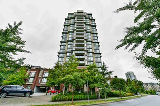 "Photo 1: 1003 15 E ROYAL Avenue in New Westminster: Fraserview NW Condo for sale in ""Victoria Hill"" : MLS®# R2285677"