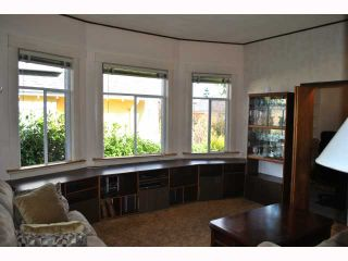 """Photo 2: 248 E 17TH Avenue in Vancouver: Main House for sale in """"MAIN STREET"""" (Vancouver East)  : MLS®# V819455"""