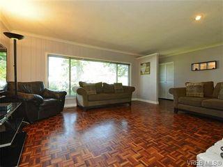Photo 2: 663 Kent Rd in VICTORIA: SW Tillicum House for sale (Saanich West)  : MLS®# 730279