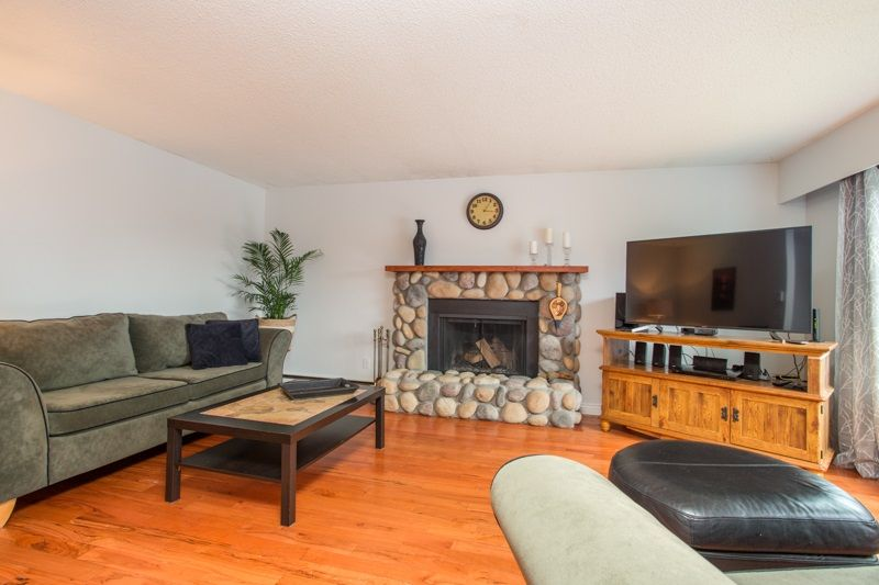 Photo 5: Photos: 1559 134A Street in Surrey: Crescent Bch Ocean Pk. House for sale (South Surrey White Rock)  : MLS®# R2538712