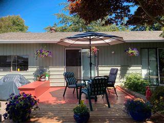 Photo 9: 5687 MEDUSA Street in Sechelt: Sechelt District House for sale (Sunshine Coast)  : MLS®# R2605558