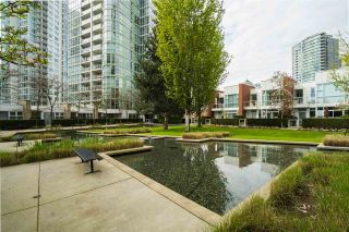 Photo 1: 3R 1077 MARINASIDE CRESCENT in Vancouver: Yaletown Townhouse for sale (Vancouver West)  : MLS®# R2263383