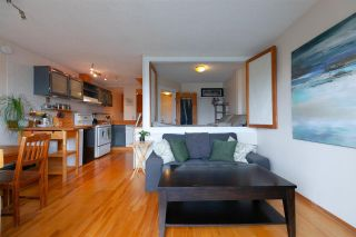"Photo 1: 306 345 W 10TH Avenue in Vancouver: Mount Pleasant VW Condo for sale in ""VILLA MARQUIS"" (Vancouver West)  : MLS®# R2306951"