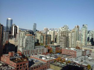 "Photo 2: 2005 212 DAVIE Street in Vancouver: Yaletown Condo for sale in ""Parkview Gardens"" (Vancouver West)  : MLS®# R2218956"