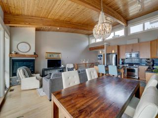 """Photo 15: 6498 WILDFLOWER Place in Sechelt: Sechelt District Townhouse for sale in """"Wakefield Beach - Second Wave"""" (Sunshine Coast)  : MLS®# R2589812"""