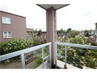 """Photo 10: 312 2025 STEPHENS Street in Vancouver: Kitsilano Condo for sale in """"STEPHENS COURT"""" (Vancouver West)  : MLS®# V892280"""