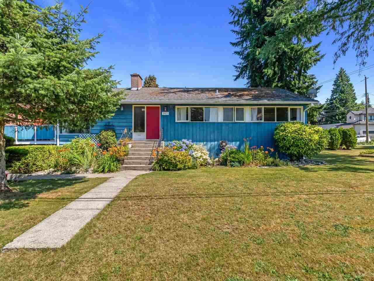 Photo 1: Photos: 943 GATENSBURY Street in Coquitlam: Harbour Chines House for sale : MLS®# R2499202