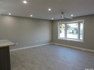 Photo 4: 17 Henderson Drive in Yorkton: North YO Residential for sale : MLS®# SK852875