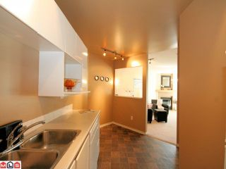 Photo 5: 204 10678 138A St in Surrey: Whalley Condo for sale (North Surrey)  : MLS®# F1022284