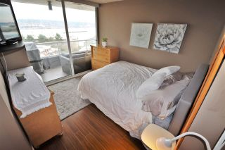 "Photo 14: 803 1065 QUAYSIDE Drive in New Westminster: Quay Condo for sale in ""Quayside Tower II"" : MLS®# R2417737"
