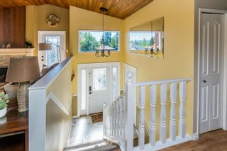 Photo 3: 7677 ST MARK Crescent in Prince George: St. Lawrence Heights House for sale (PG City South (Zone 74))  : MLS®# R2593772
