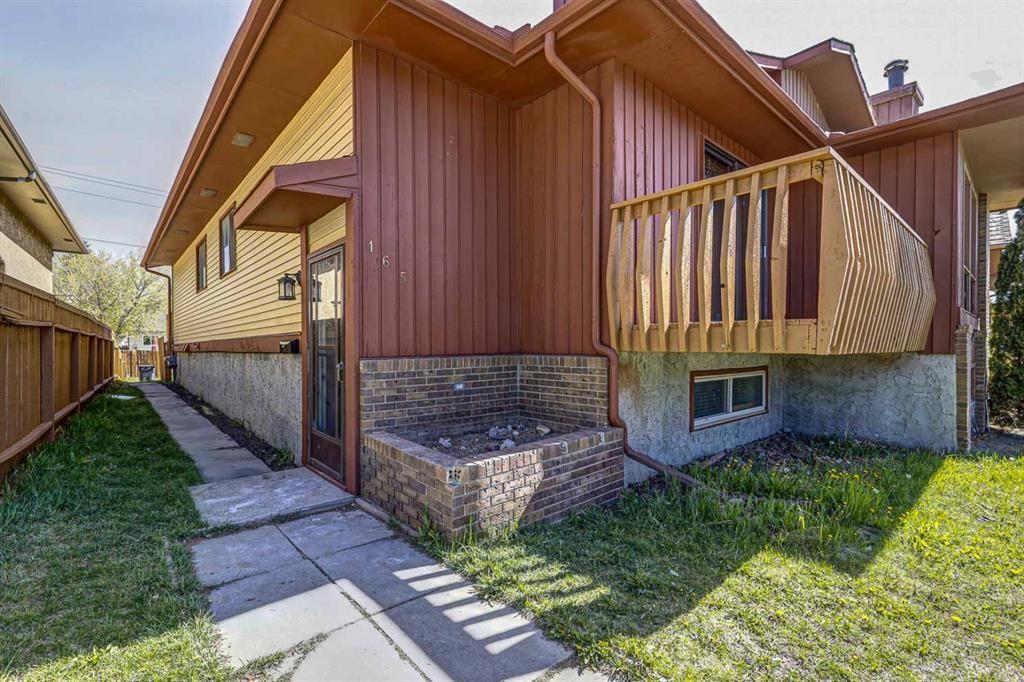 Main Photo: 165 Castlebrook Way NE in Calgary: Castleridge Semi Detached for sale : MLS®# A1107491