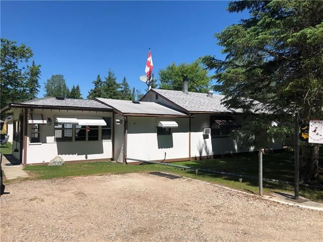 Main Photo: 12 Steep Rock Road in Whiteshell Provincial Park: Single Family Detached for sale