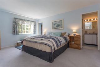 """Photo 8: 41383 DRYDEN Road in Squamish: Brackendale House for sale in """"Eagle Run"""" : MLS®# R2163949"""