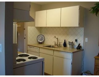 """Photo 4: 308 809 W 16TH Street in North_Vancouver: Hamilton Condo for sale in """"PANORAMA COURT"""" (North Vancouver)  : MLS®# V646950"""