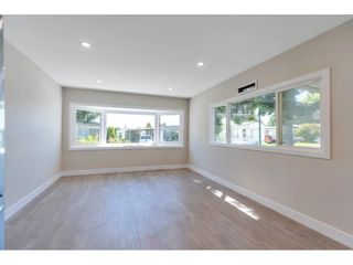 """Photo 4: 181 1840 160 Street in Surrey: King George Corridor Manufactured Home for sale in """"BREAKAWAY BAYS"""" (South Surrey White Rock)  : MLS®# R2585723"""