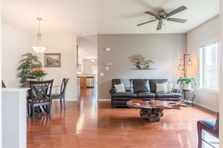Photo 3: 189 ROYAL CREST View NW in Calgary: Royal Oak Semi Detached for sale : MLS®# C4297360