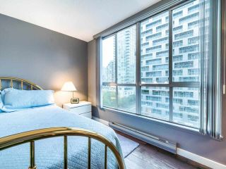 "Photo 11: 1009 1500 HOWE Street in Vancouver: Yaletown Condo for sale in ""The Discovery"" (Vancouver West)  : MLS®# R2561951"