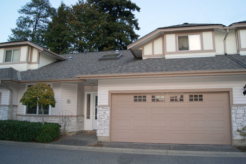 "Main Photo: 18 16325 82ND Avenue in Surrey: Fleetwood Tynehead Townhouse for sale in ""HAMPTON WOODS"" : MLS®# F1424509"