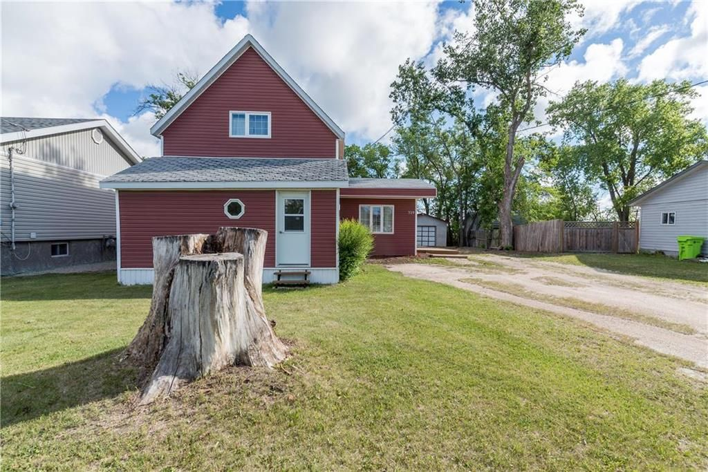 Main Photo: 319 Centrale Avenue in Ste Anne: R06 Residential for sale : MLS®# 202115601