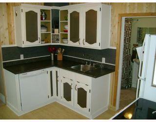 Photo 3: 311 PARKVIEW Street in WINNIPEG: St James Residential for sale (West Winnipeg)  : MLS®# 2910382