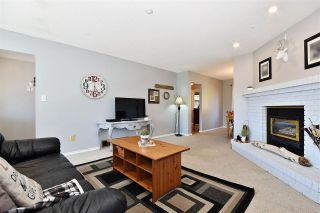 Photo 3: 3727 HARWOOD Crescent in Abbotsford: Central Abbotsford House for sale : MLS®# R2445037