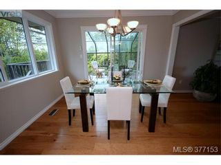 Photo 6: 4951 Thunderbird Pl in VICTORIA: SE Cordova Bay House for sale (Saanich East)  : MLS®# 757195