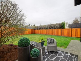 Photo 21: 2944 Robalee Pl in VICTORIA: La Goldstream Half Duplex for sale (Langford)  : MLS®# 810225